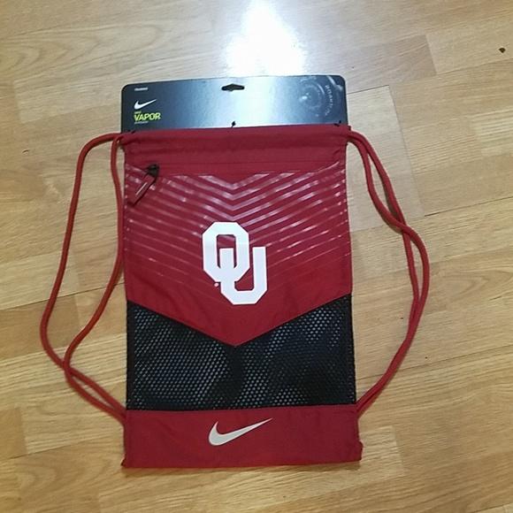 Oklahoma Sooners Nike Vapor Duffel Bag Crimson
